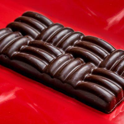 Pure chocolade met rozijnen